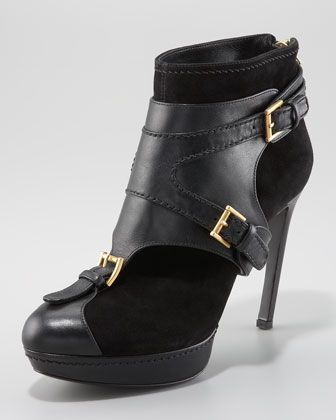 Alexander McQueen Ankle Boot with Removable Harness. Les ChaussuresBottesBoot  ... 920770cd946