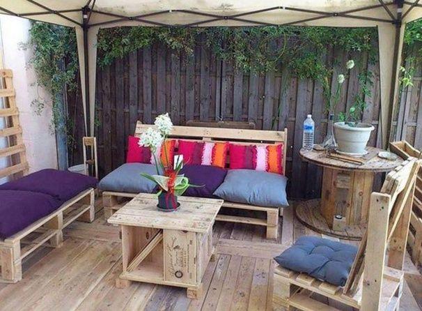 Salon de jardin palette balcon - Abri de jardin et balancoire idée