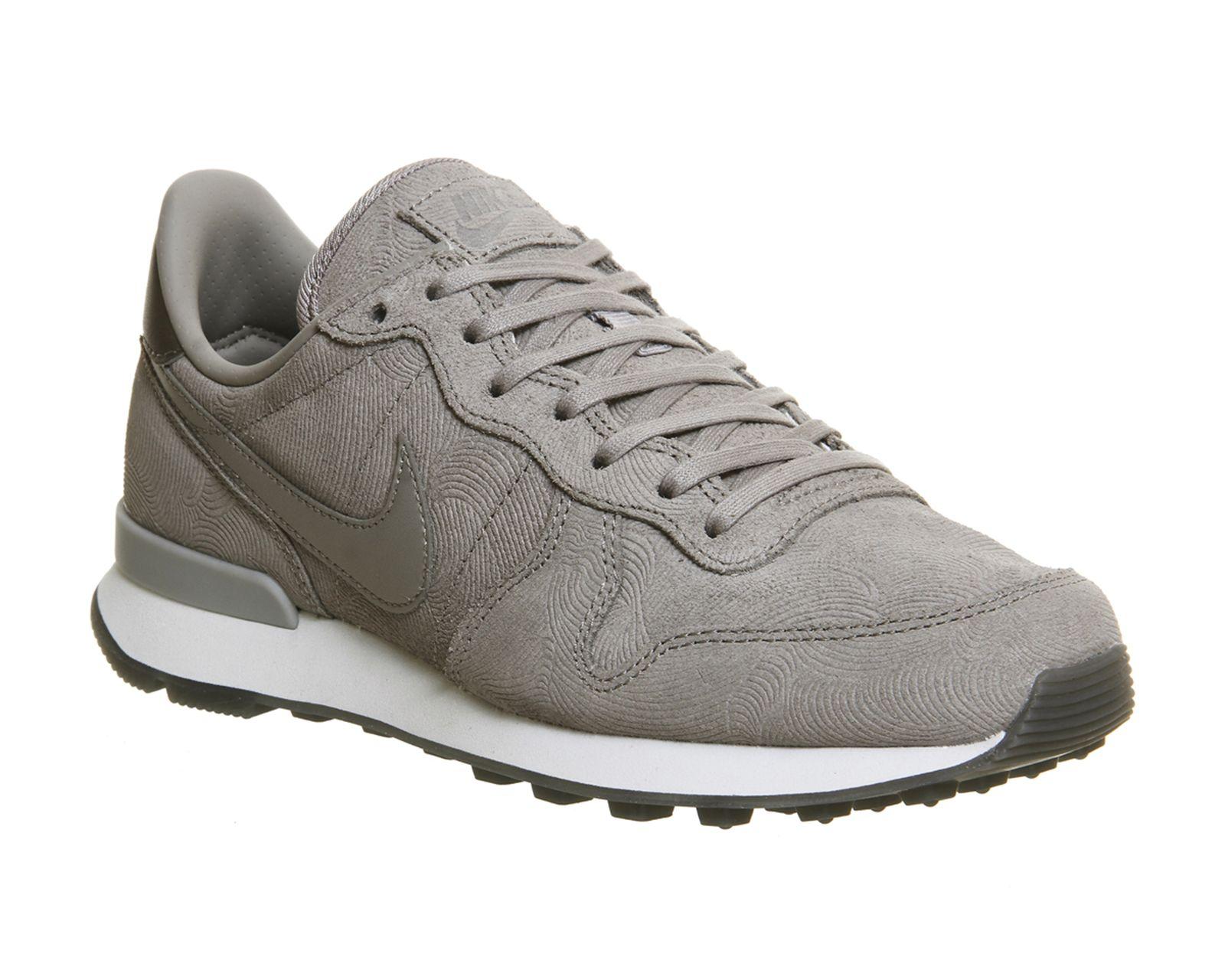 nike internationalist trainers grey