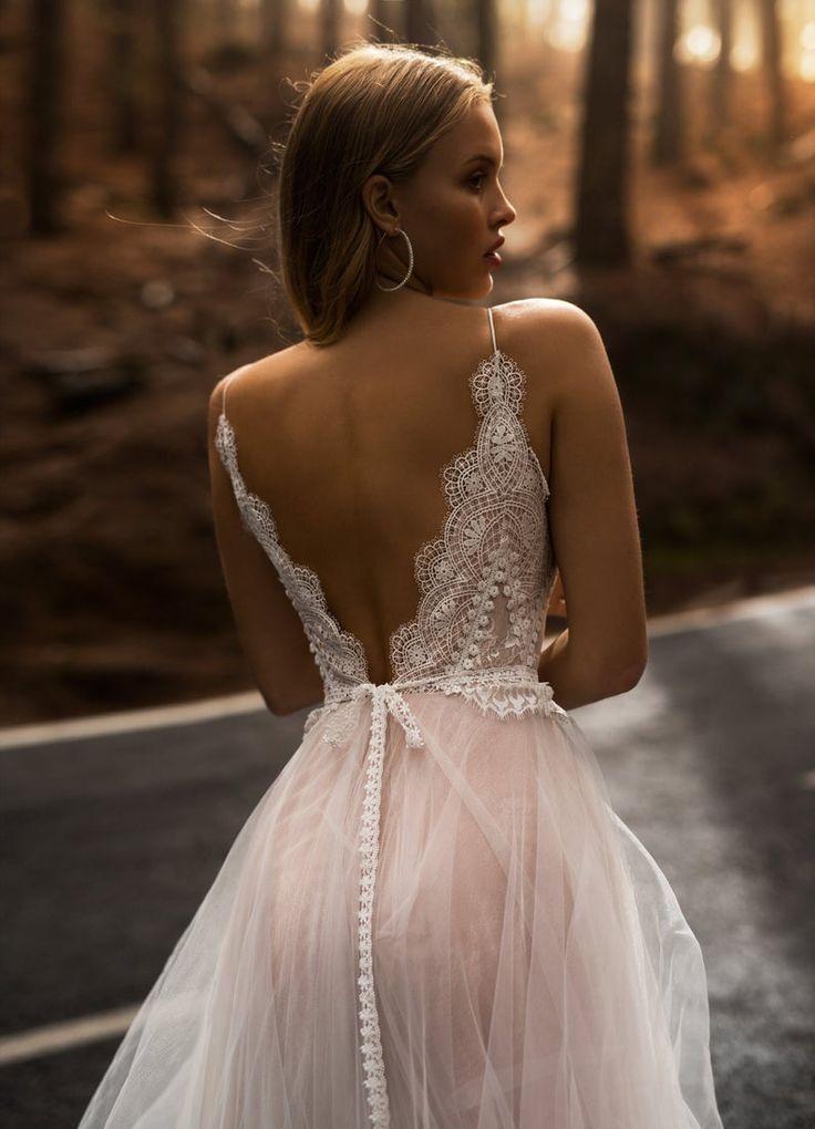 Wedding dress LYKIA with long dress by Blammo-Biamo • Wedding dress with long train•