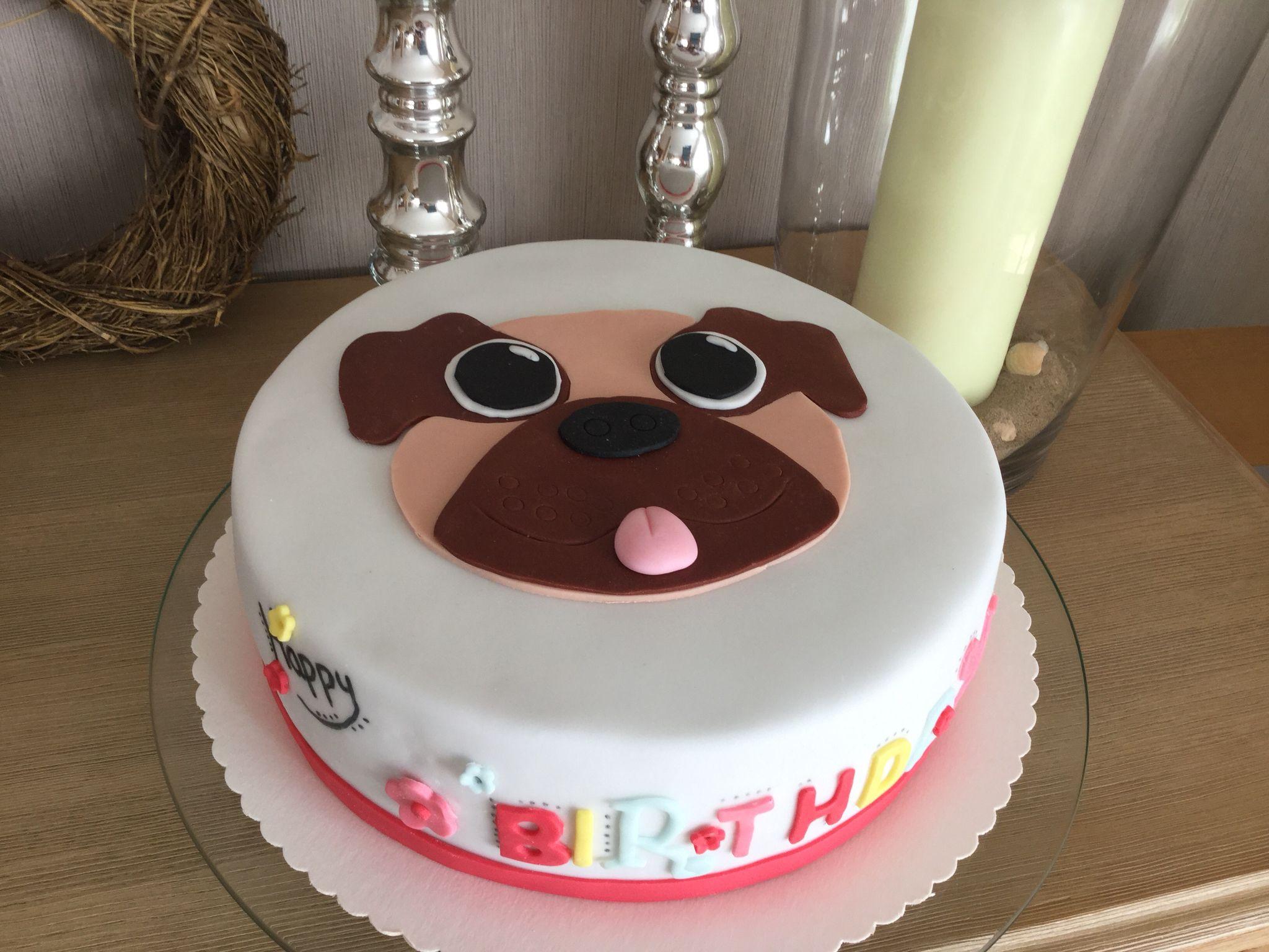 Fur Eine Liebe Freundin Deren Tochter Sich Eine Torte Mit Mops Wunschte Motivtorten Kuchen Ohne Backen Kreative Kuchen