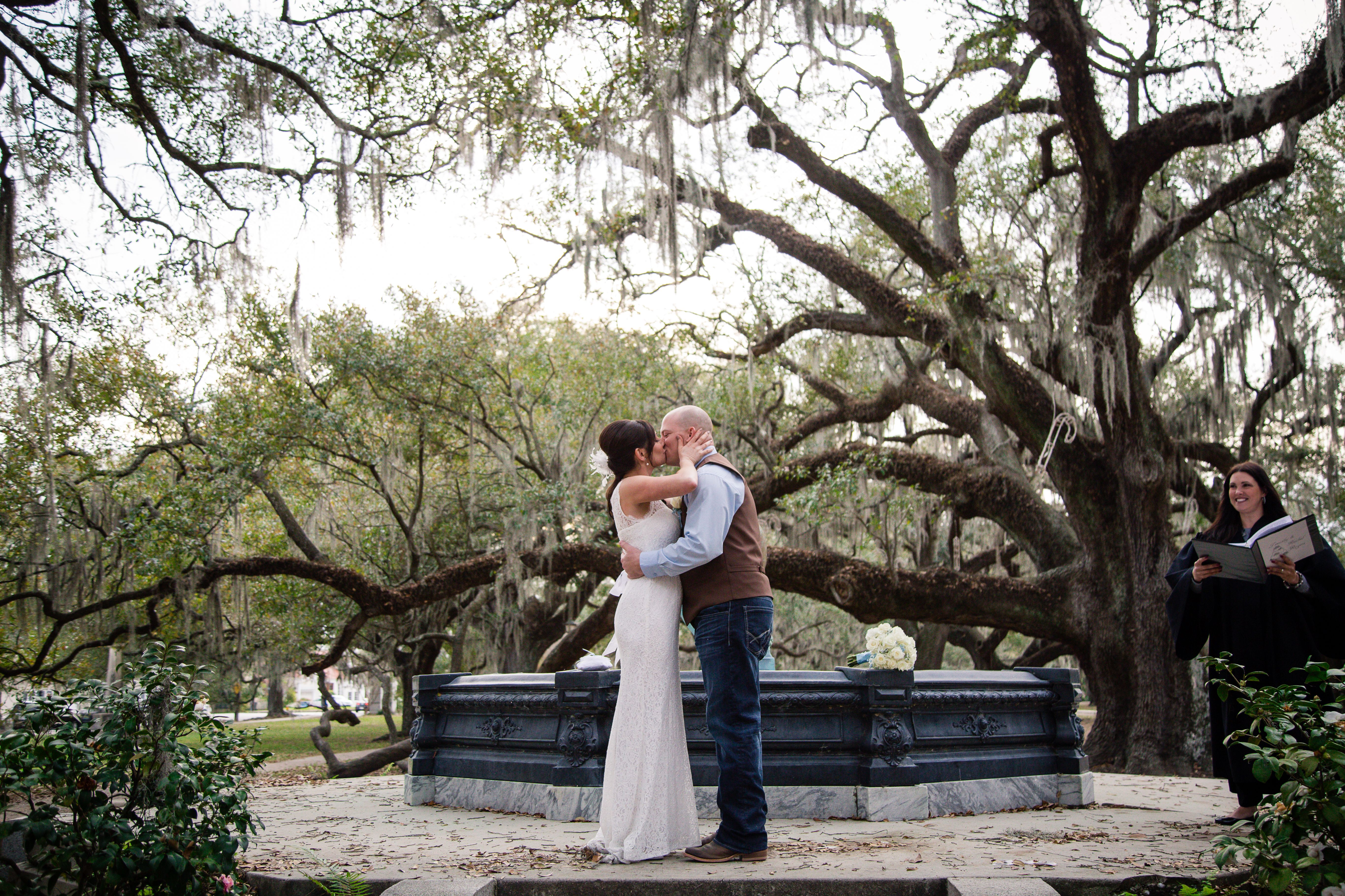 Intimate Winter Wedding In New Orleans City Park On Borrowed Blue Photo Credit Ibay Photography