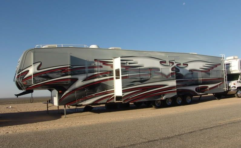 52 Quad Axel 5th Wheel Luxury Rv Fifth Wheel Campers Camping
