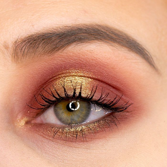 Photo of Eye Make Up X-Mas 2019 #goldeyeliner Simple Eye Make Up in Red and Gold with …
