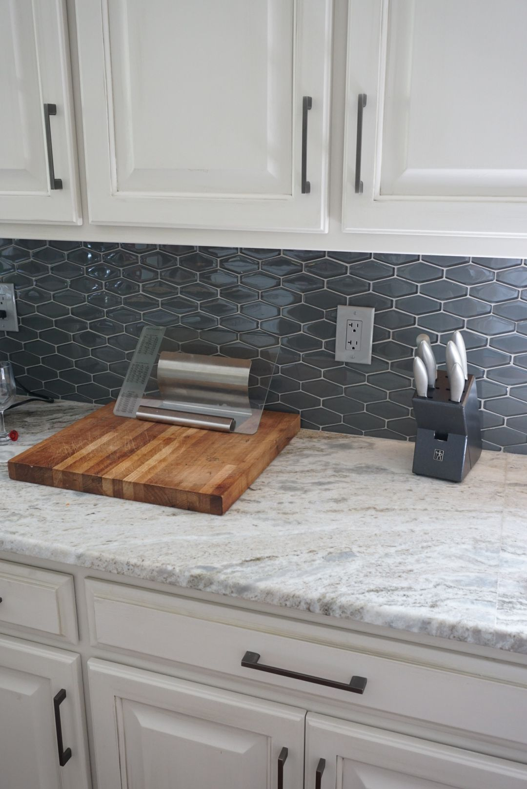 Amazing And Unique Ideas Can Change Your Life Granite Backsplash