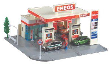 Amazon.com:日本からのトミカタウンガソリンスタンド(ENEOS):玩具