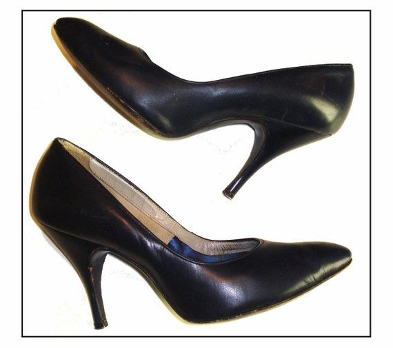 d672149608670 Vintage 1950s 50s Navy Blue Size 4 1/2B pumps Stiletto heels ...