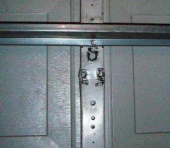 Garage door bracket repair solutioingenieria Images