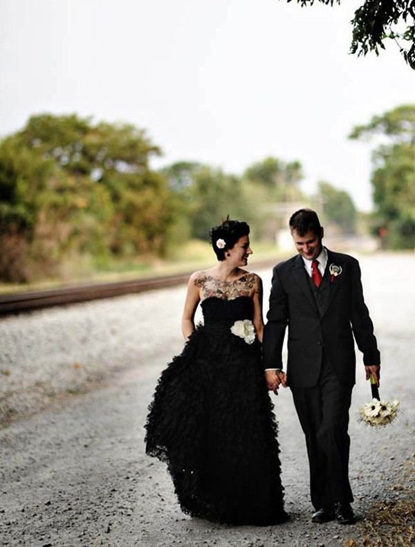 15 Brides Who Rocked Black On Their Wedding Day Mywedding Alternative Wedding Dresses Black Wedding Dresses Black Bride
