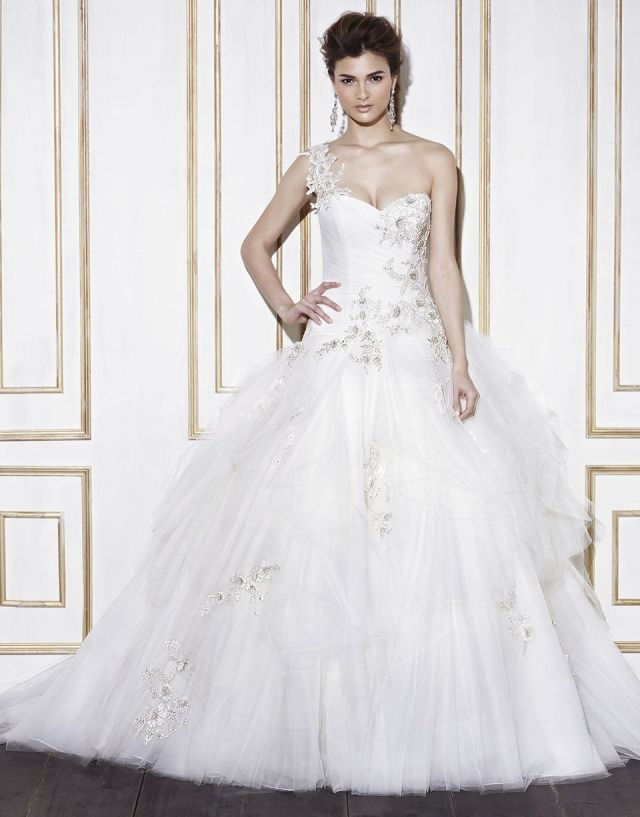 Blue by Enzoani collectie 2014