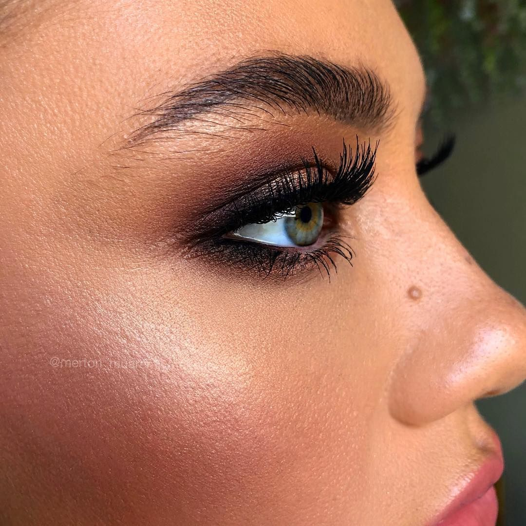 "MERTON MUAREMI™️ on Instagram: ""✨F✨R✨I✨D✨A✨Y✨ NIGHT GLAMMM 😍😍😍 Smoking it up on the beautiful @thegreeneyedmonster_ . . Bridal makeup masterclass. (Link in Bio)…"""
