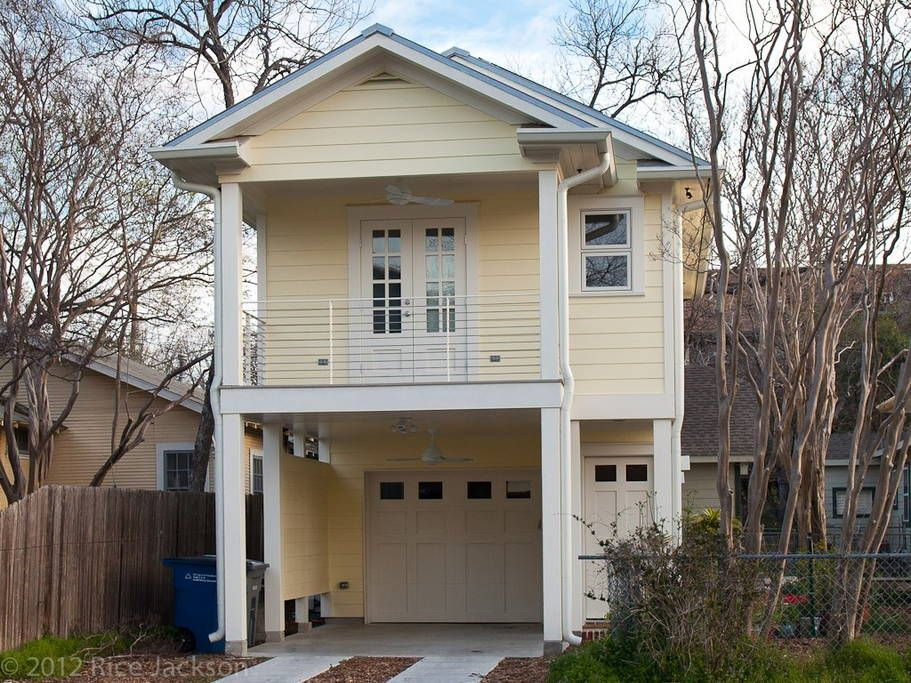 Apartment Over Garage Https Www Airbnb Com Rooms 517430 Garage Apartments Garage Studio Apartment Downtown Apartment