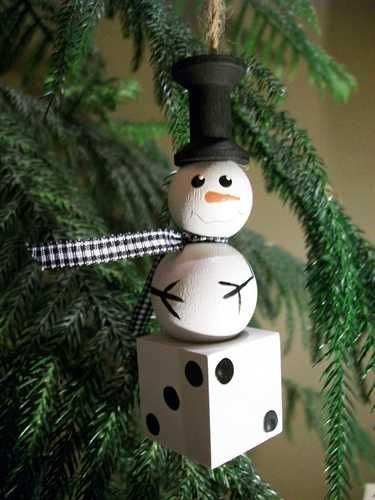 Hmmmm This Would Be Fun To Make For Our Xmas Party Bunco Ornament Bunco Gifts Bunco Themes Snowman Ornaments