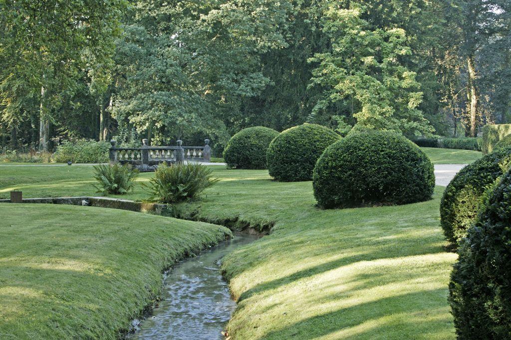 Heuvelachtig Tuin Ontwerp : Restauratie kasteeldomein in heuvelachtig waals brabant