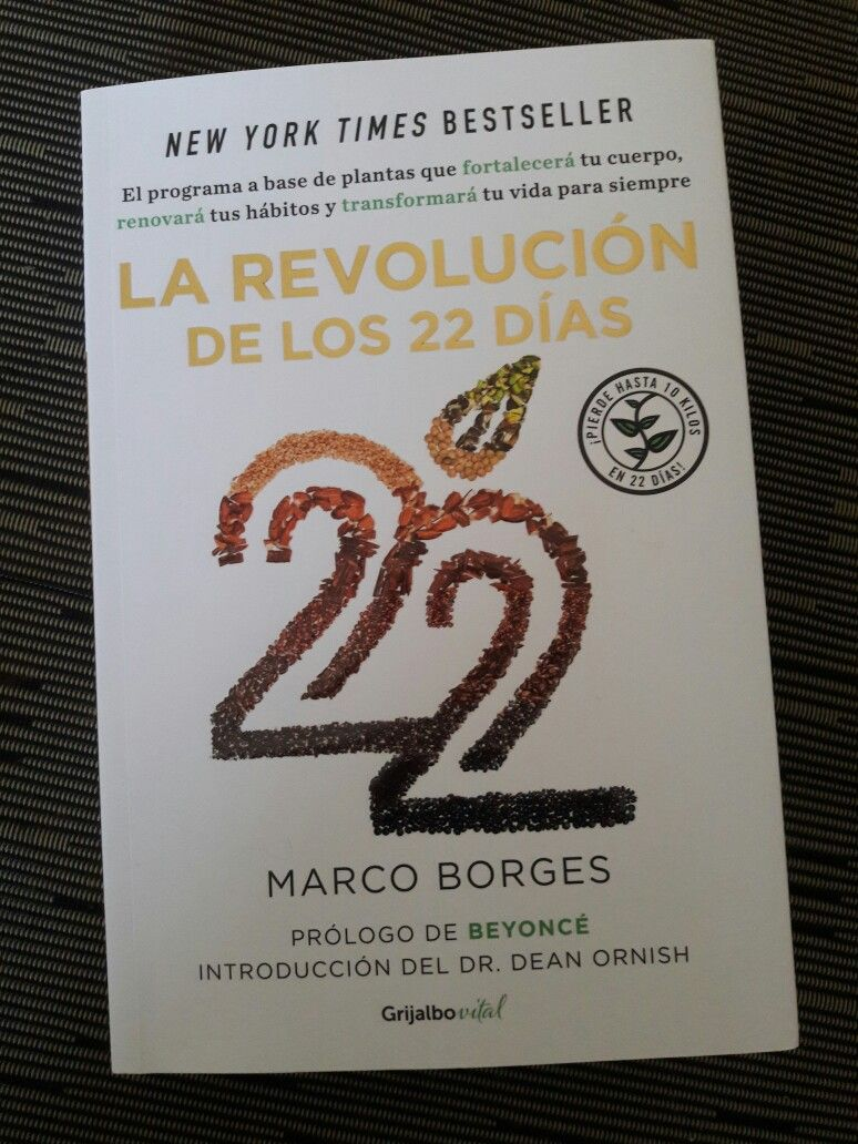Excelente libro de Marcos Borges entrenador de Shakira y Beyoncé. Nos comparte un programa a base de plantas para fortalecer el cuerpo y renovar nuestros hábitos. Transforma tu vida.