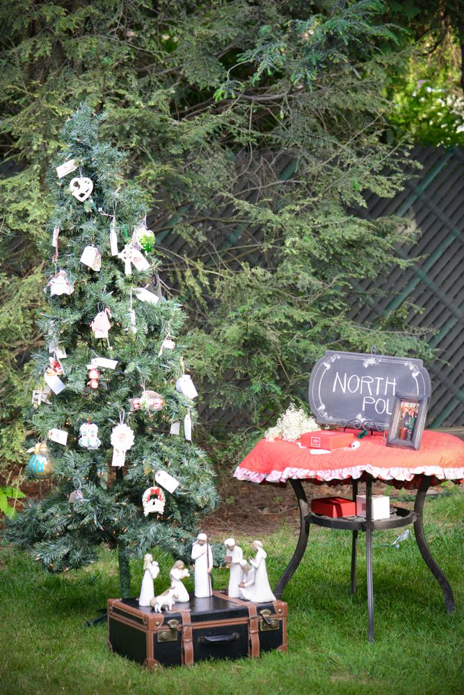 Christmas In July Wedding.Christmas In July Fun Alternative To A Traditional Bridal