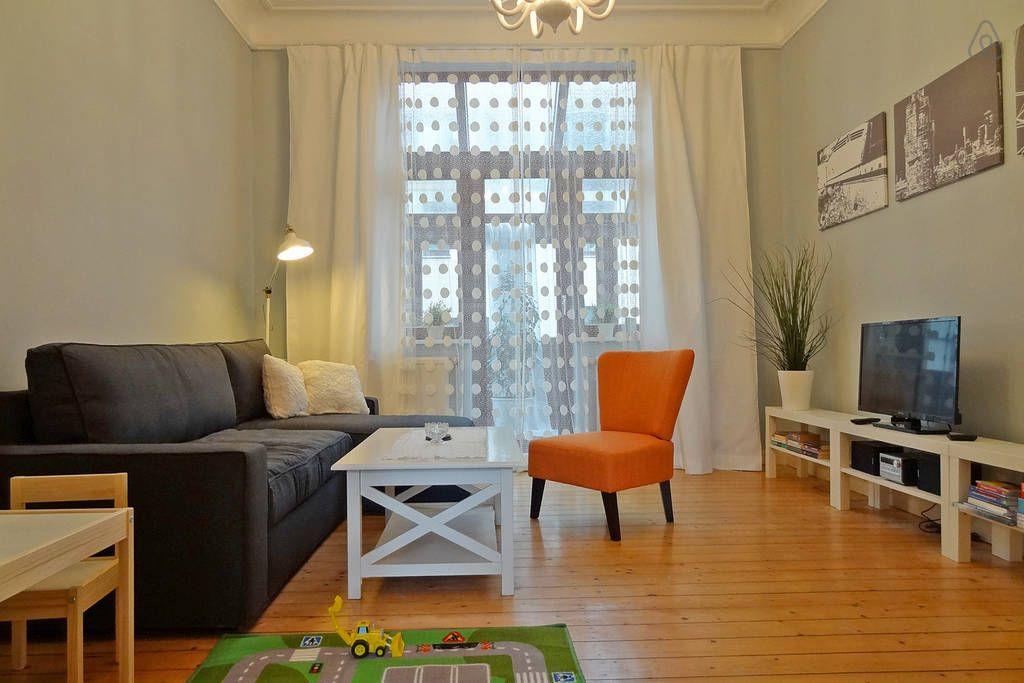 Das Wohnzimmer Mit Spielteppich Fur Kinder Wohnung Ferienwohnung Haus Deko