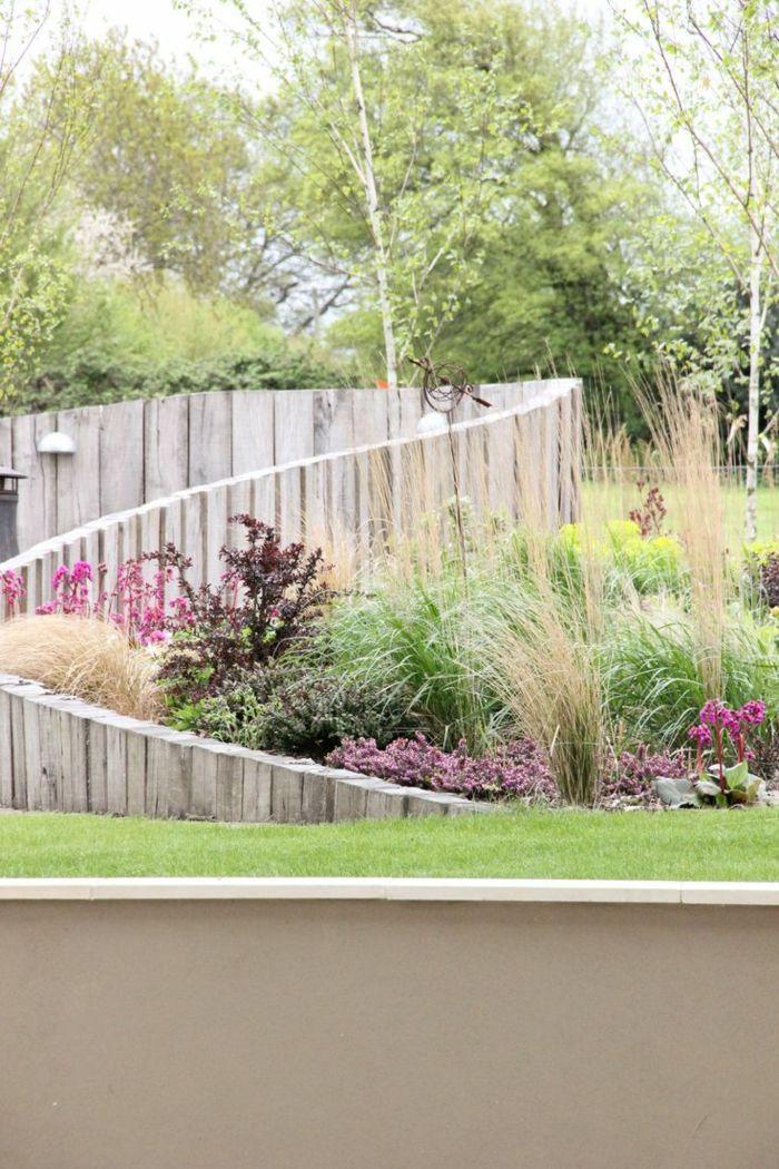 Holzpalisaden Fur Eine Noch Schonere Gartengestaltung Pinterest