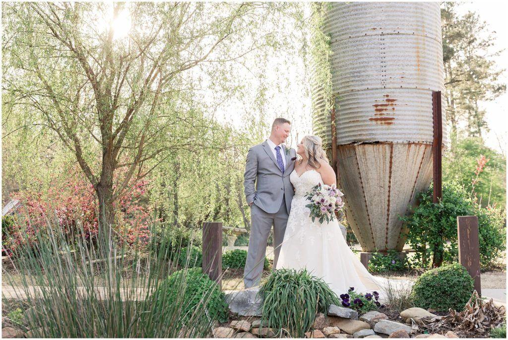 9 Oaks Farm Wedding Pictures Five Fourteen Photography Spring Wedding Colors Purple Wedding Colour Theme Farm Wedding