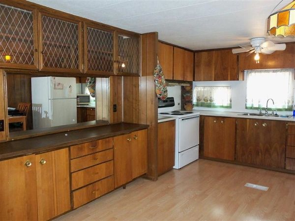 1970 Holly Park Mobile Manufactured Home In Hamilton Oh