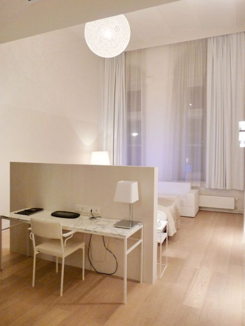 Simple white high ceiling bedroom | High ceiling bedroom ...