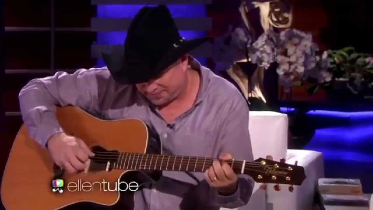 "Garth Brooks ""Mom"" Performs Live On The Ellen Show Man"