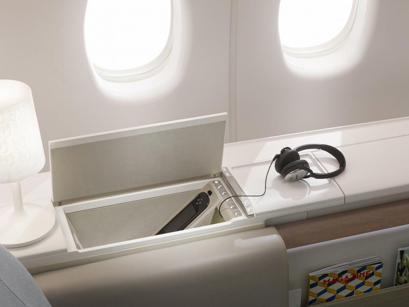 Priestmangoode Air France La Premiere Seat Control Aircraft