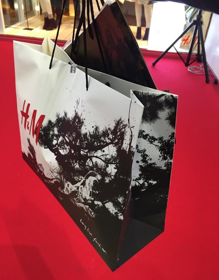 """H&M Kyoto"" new store opening collaboration artist - shun kawakami at H&M (Kyoto, Japan)"