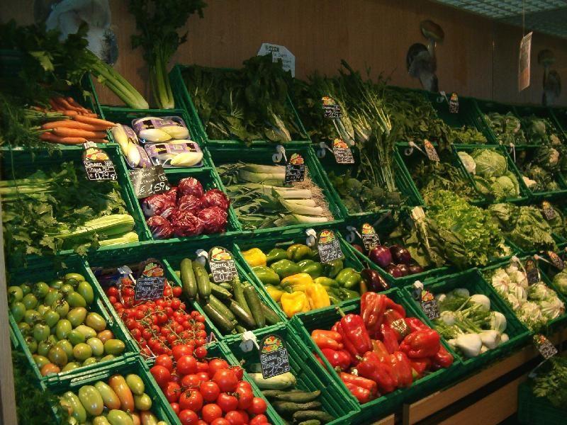 Con un aumento record dell'11%, sono i ceci in scatola a far registrare il maggior incremento nella spesa degli italiani nel 2015 che fa segnare anche un deciso ritorno dei legumi a tavola....