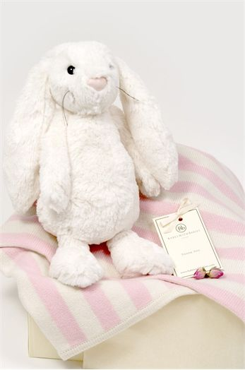 Babes with Babies: this little cashmere blanket & soft toy gift set are another great last minute present idea.