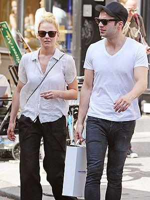 Josh og Jen dating
