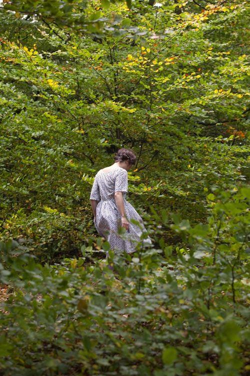 vestido de hojas