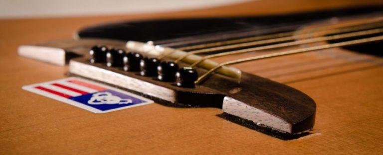Hotstringsguitar Com A Guitar Site For Guitarists Guitar Acoustic Guitar Acoustic