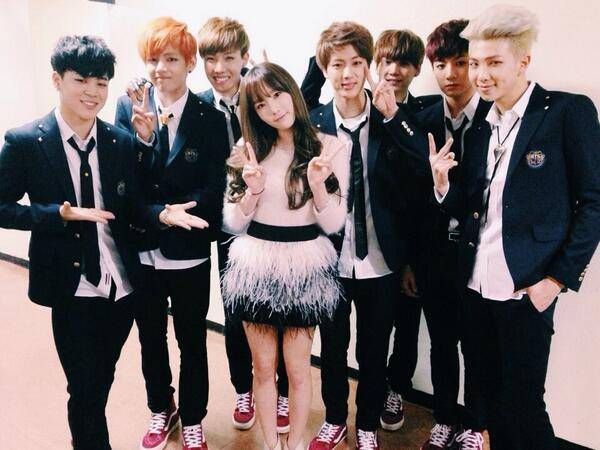 Bts Meet Up With Their Title Track Name Inspiration Taeyeon Backstage At Music Bank Bts V Girlfriend Girls Generation Taeyeon