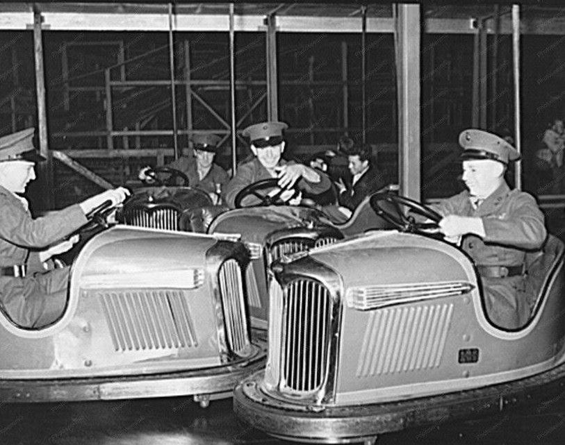Marines on the Dodgem 1940's. Car, Old photos, Vintage cars