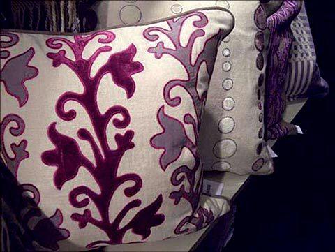 Purple pillow - Coussin violet