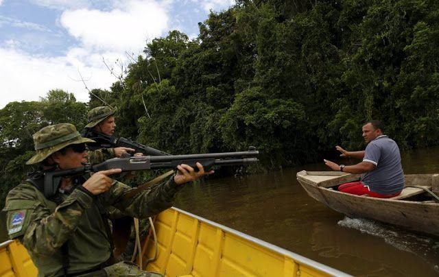 Águas de Pontal: Garimpos de ouro ilegais na floresta amazônica.