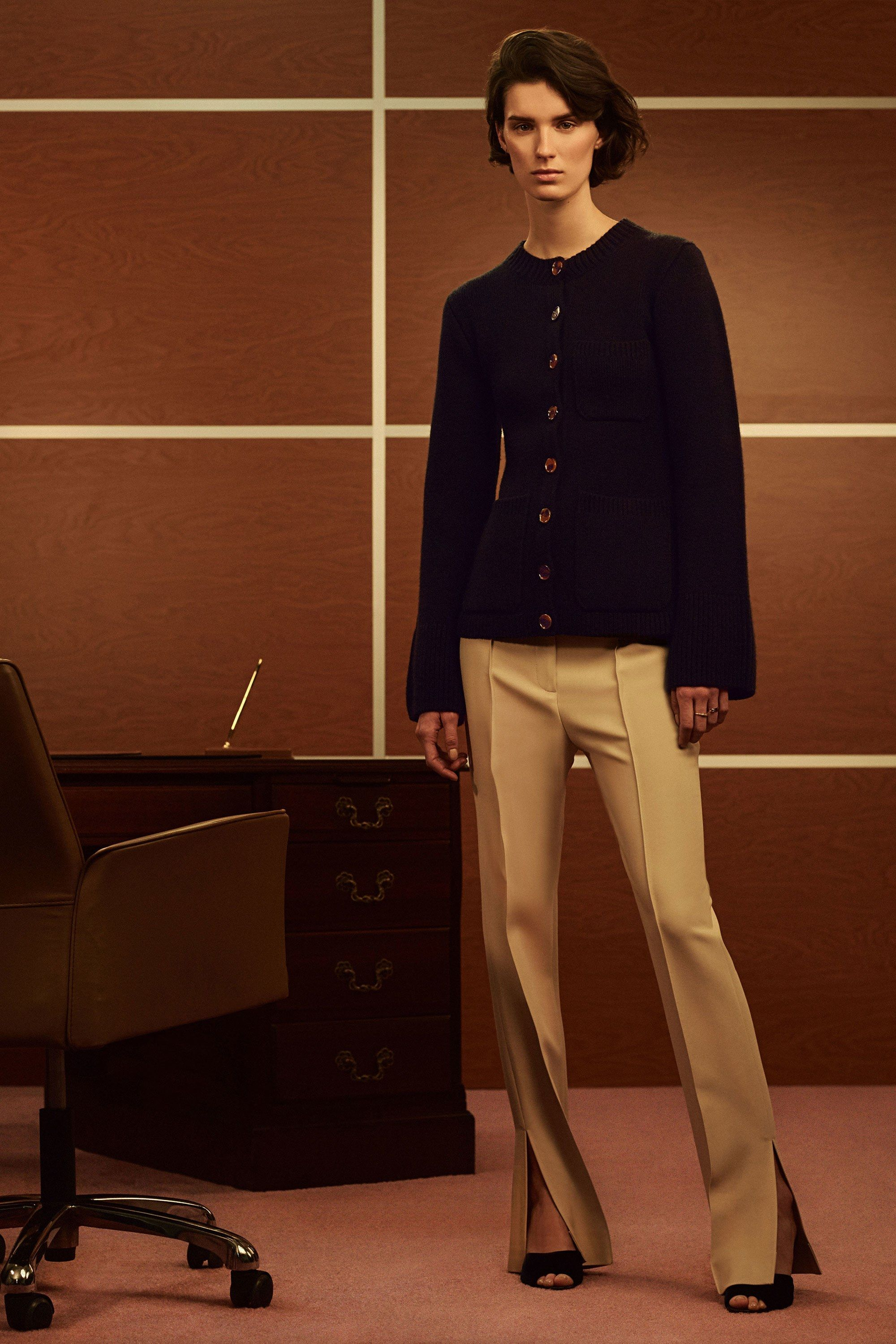 See the complete Khaite Fall 2017 Ready-to-Wear collection.