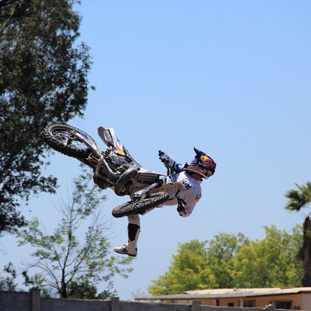©RobbieMaddison, My best NacNac yet. ©CournelSanders - 11/06/2012  #moto