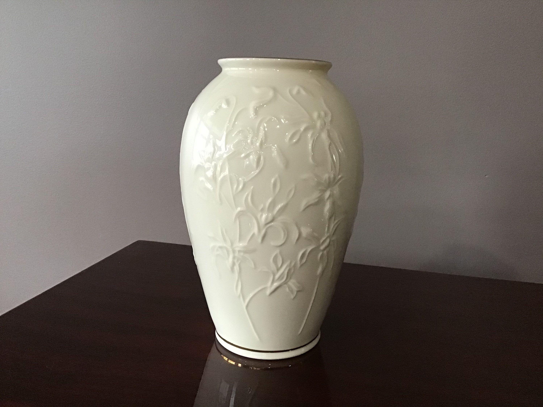 Lenox Tall Vintage Vase With Gold Trim And Embossed Flowers Etsy In 2020 Lenox Vase Vase Lenox