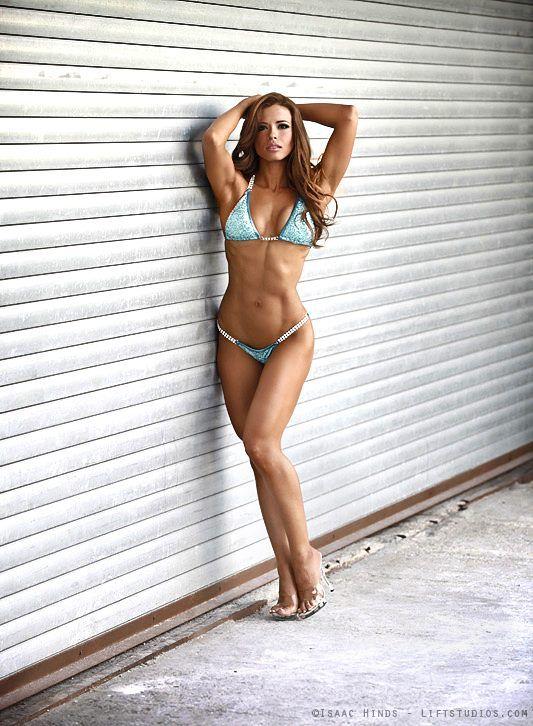 Me, please Ana delia iturrondo fitness model
