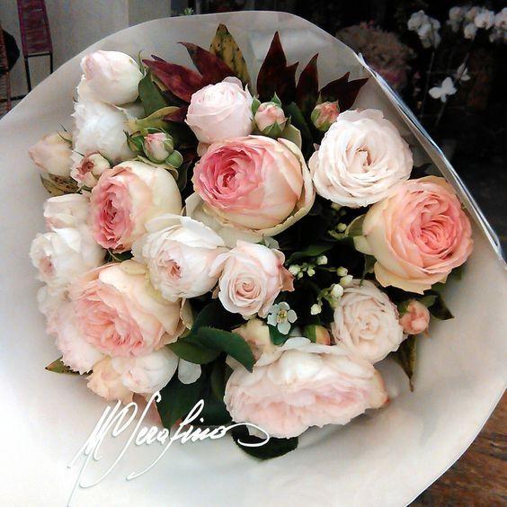 Conosciuto Bouquet di rose rosa . Scultura fiori - Torino | Composizioni e  ON43