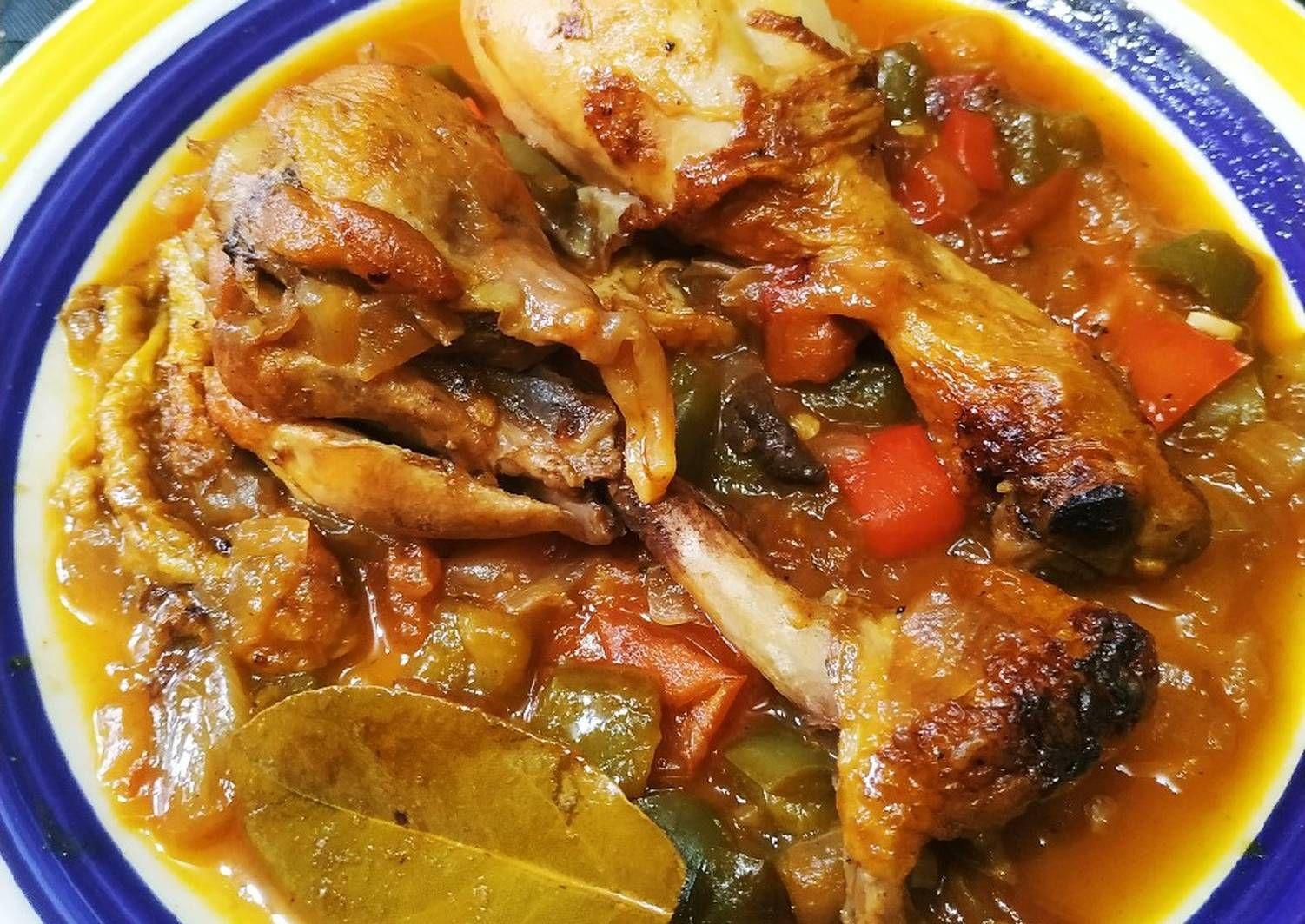 Pollo De La Abuela Receta De Néstor Ayose Receta Pollo Receta Caldo De Pollo Platos De Carne