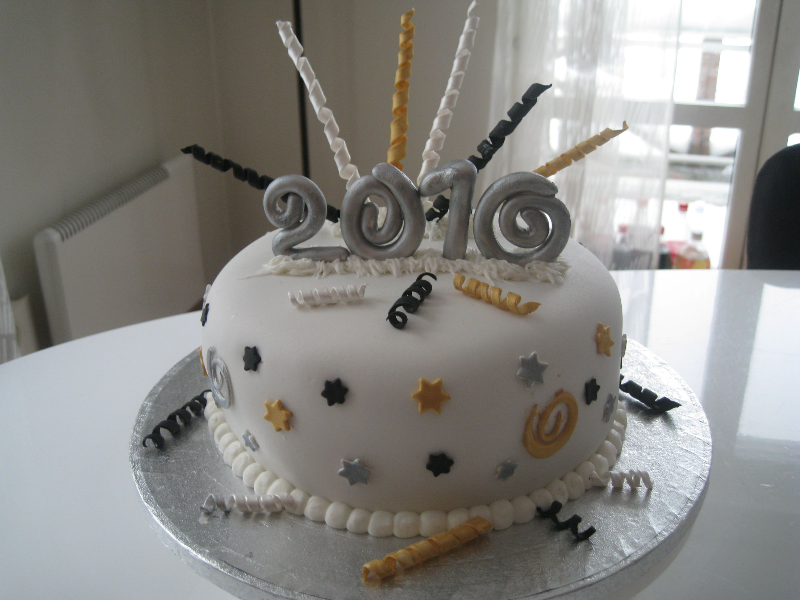 New Year S Cake New Year S Cake New Year Cake Designs New Year