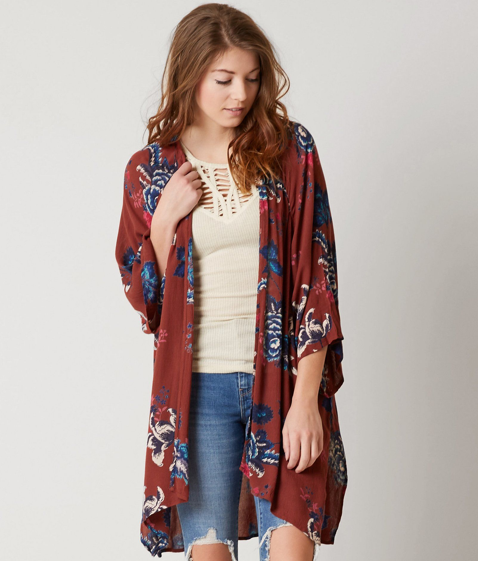 Kimono cardigan (but not sooo long) with long shorts (but the ...