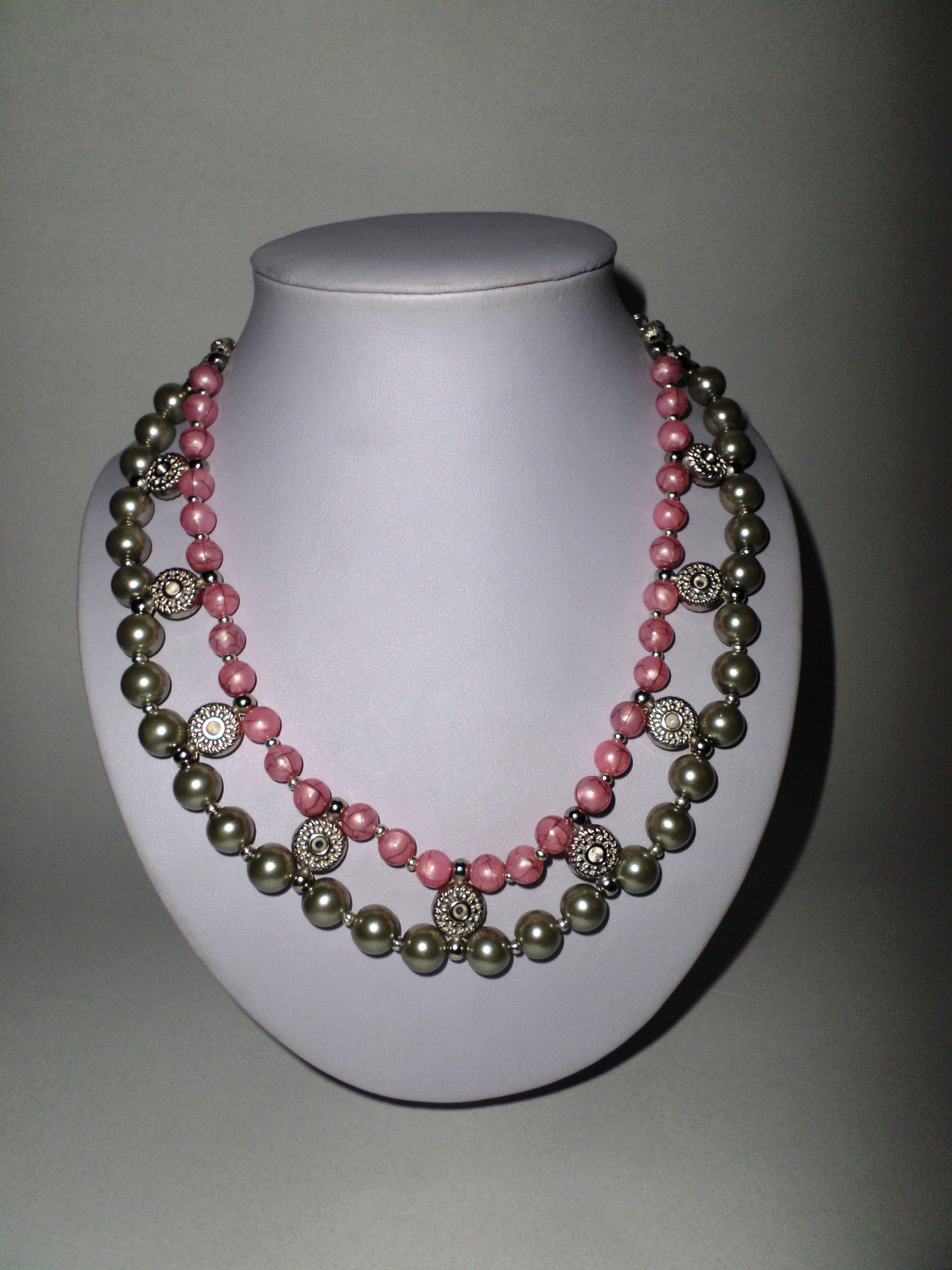 4e4a49267fb9 27. Collar corto perlas rosadas y grises