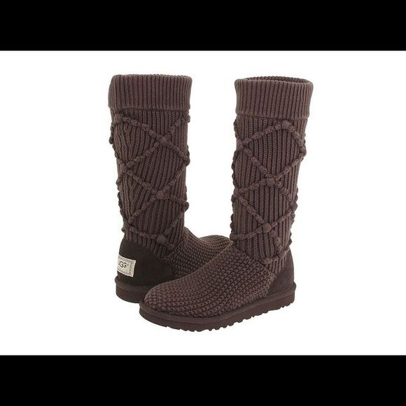 b1eb4c0973d Argyle Knit Dark Brown Uggs Only worn a couple of times!! Super cute ...