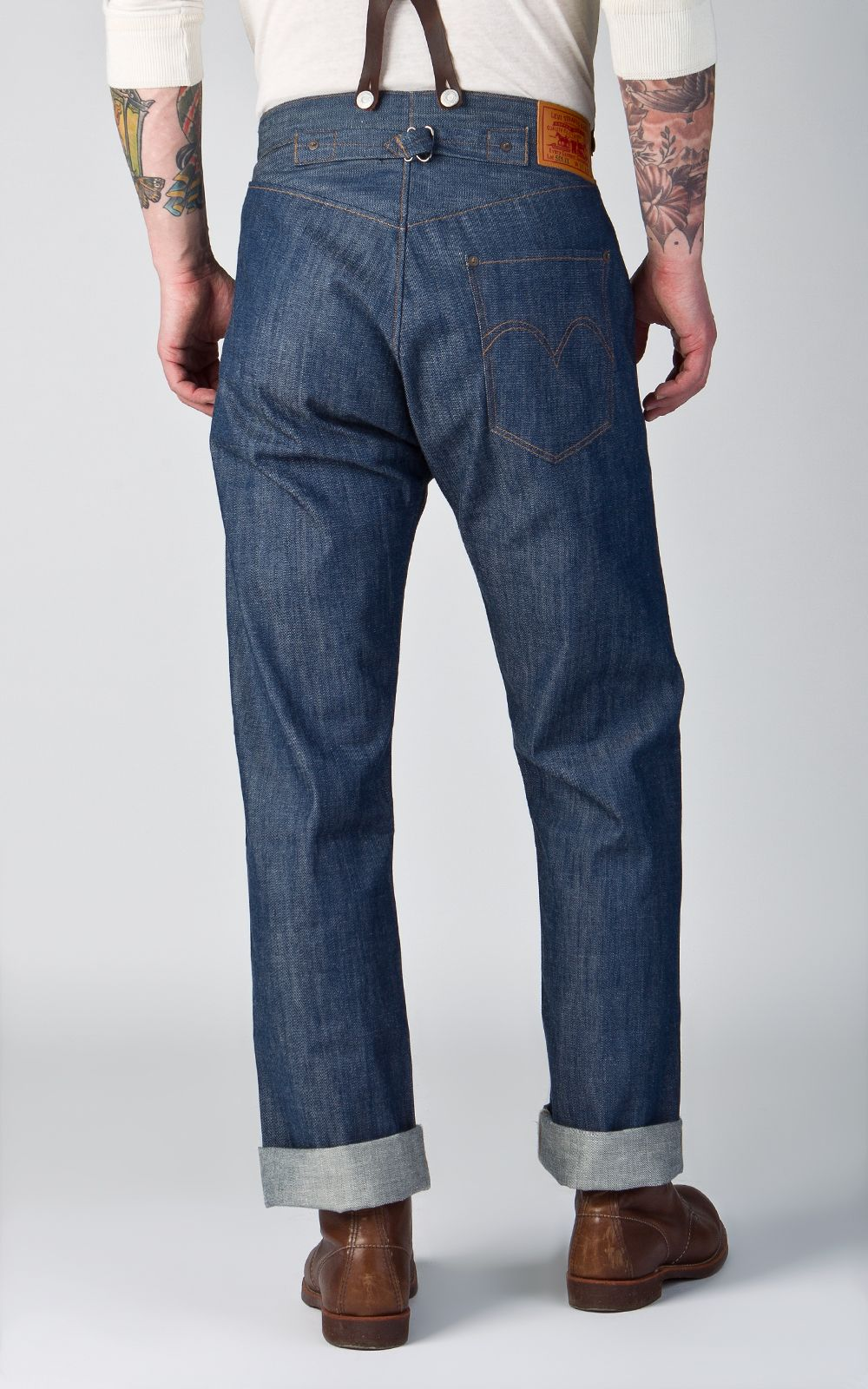 c0523b9d The Levi's® 1890 XX501 Rigid is made from 9oz plain selvedge denim (12oz  after wash). This is a remake of the very first Levi's® jeans with all the  ...