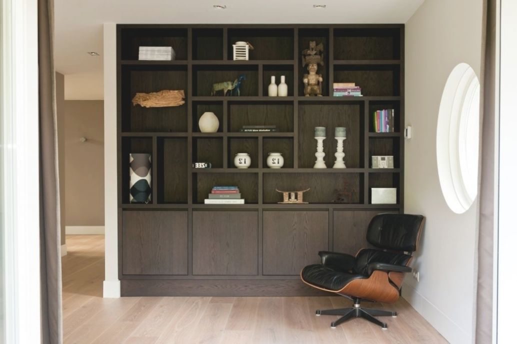 Kast Woonkamer Zwart : Kast woonkamer zwart minimalistische woonkamer kast wit zonder