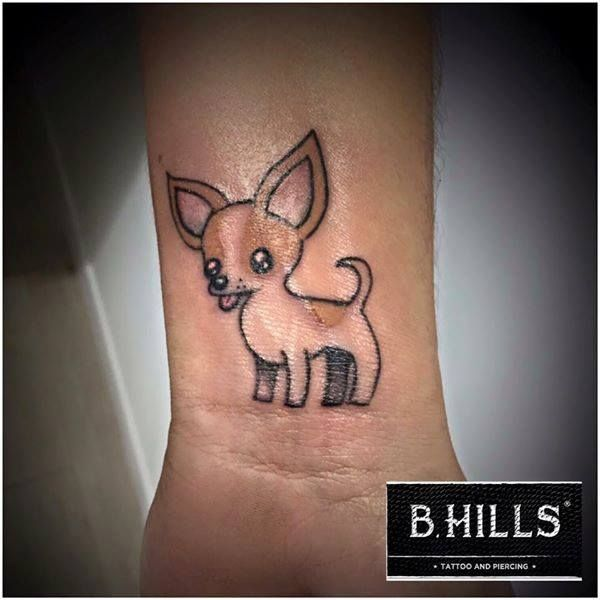 DOG COLOR TATTOO #dog #tattoo #tattoo #dogtattoo #littletattoo #tattooarm #BhillsTattooCompany #ladyoktopusTattooArtist #tatuatoricittadella #cittadellatattoo